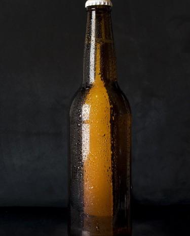 Braune Bierflasche (Bild: Pixabay/StockSnap)