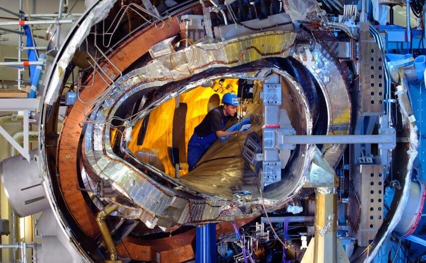 Torus des Fusionsreaktors Wendelstein 7-X (Bild: Wolfgang Filser, Max-Planck-Institut für Plasmaphysik)